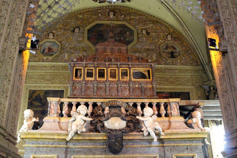 Het graf van incorrupted lichaam van Francis Xavier bij de Basiliek van Bom Jesus van Oude Goa Goa Velha royalty-vrije stock foto's