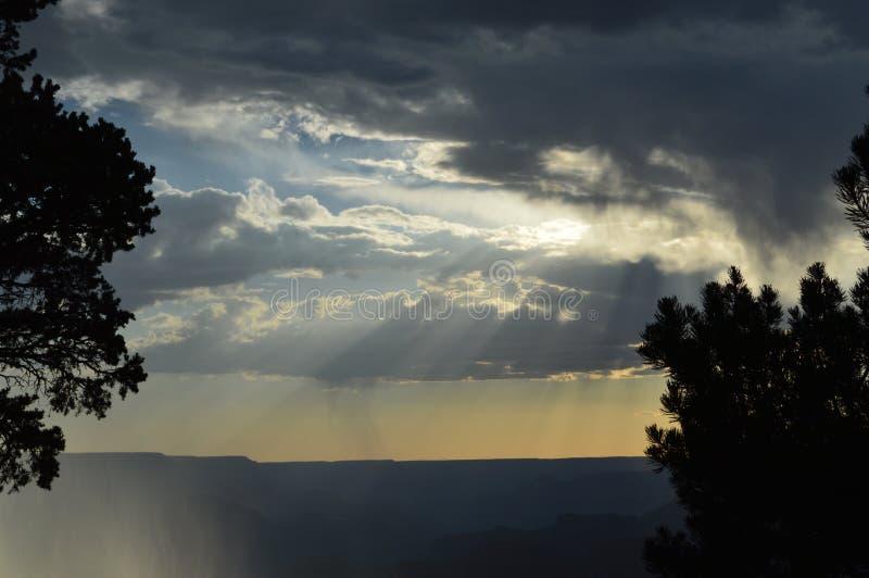 Het Grand Canyon -Zuiden Rim Rain Clouds royalty-vrije stock foto