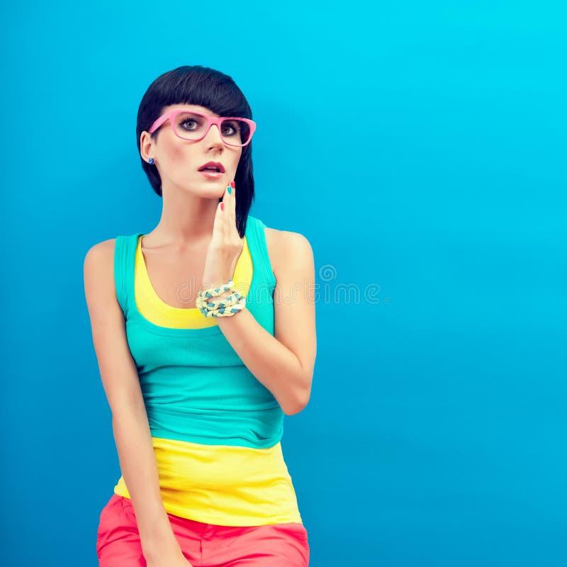 Het grappige meisje van de zomer royalty-vrije stock afbeeldingen