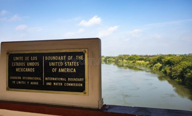 Het grensteken Verenigde Staten en Mexico stock fotografie