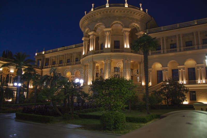 Het Grieks die nightscene bouwen royalty-vrije stock afbeelding