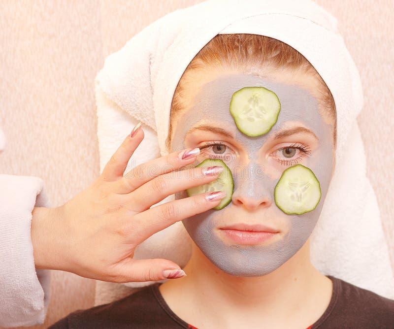 Het grijze masker van de komkommer royalty-vrije stock afbeeldingen