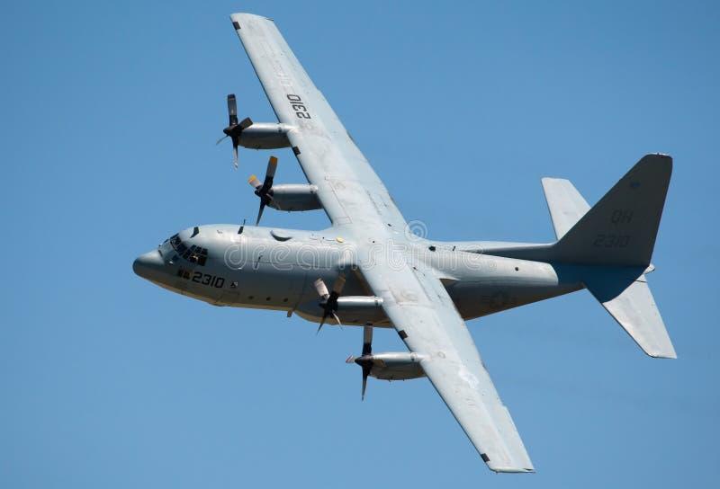 Het grijze militaire vrachtvliegtuig van Hercules royalty-vrije stock afbeelding