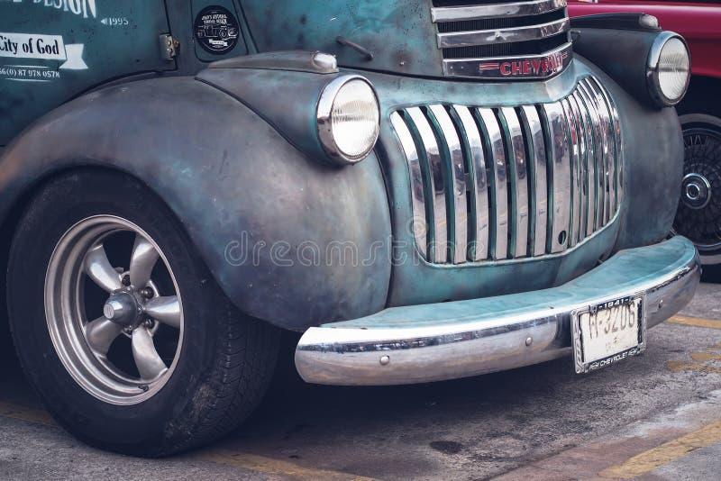Het groene antieke uitstekende vervoer van de auto automobiele afgelopen tijd royalty-vrije stock foto