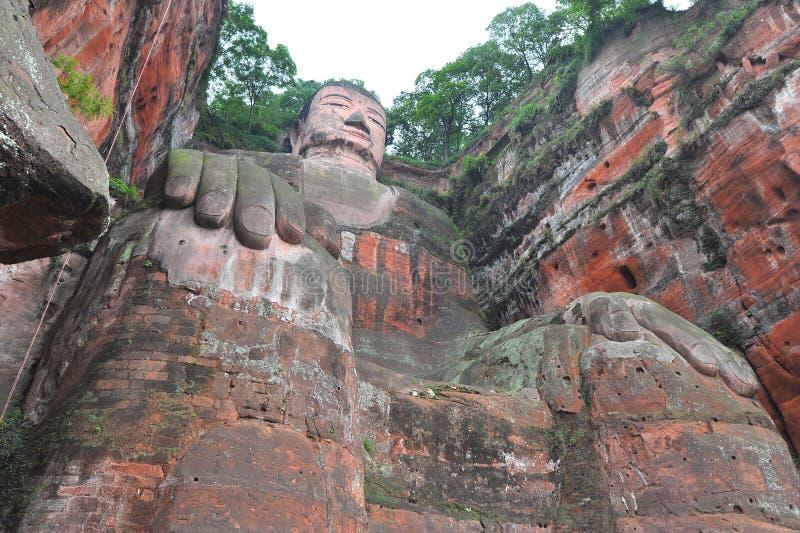 Het grootste standbeeld van Boedha in de wereld in Leshan stock foto