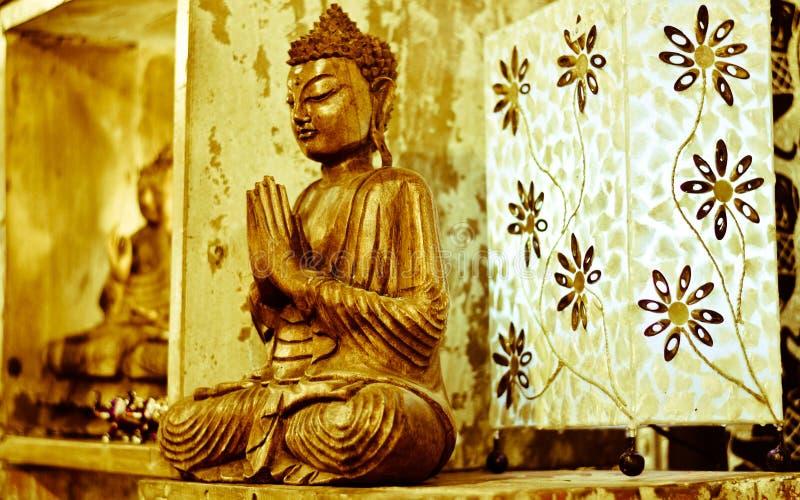 Het grote belang van meditatie en deities in het Oosten stock foto's