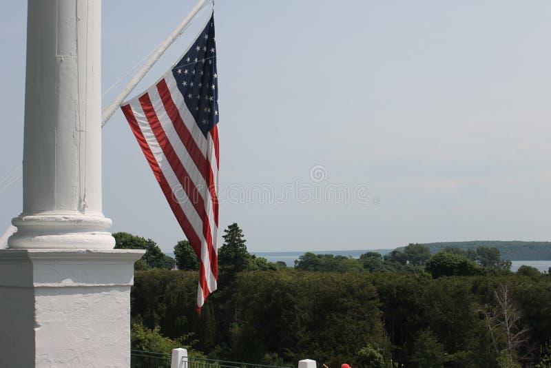 Het grote Eiland van Hotelmackinac - de Vlag van de V.S. stock afbeelding