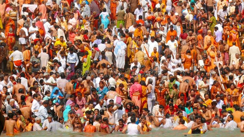 Het grote Hindoese baden van Kumbh Mela royalty-vrije stock foto's