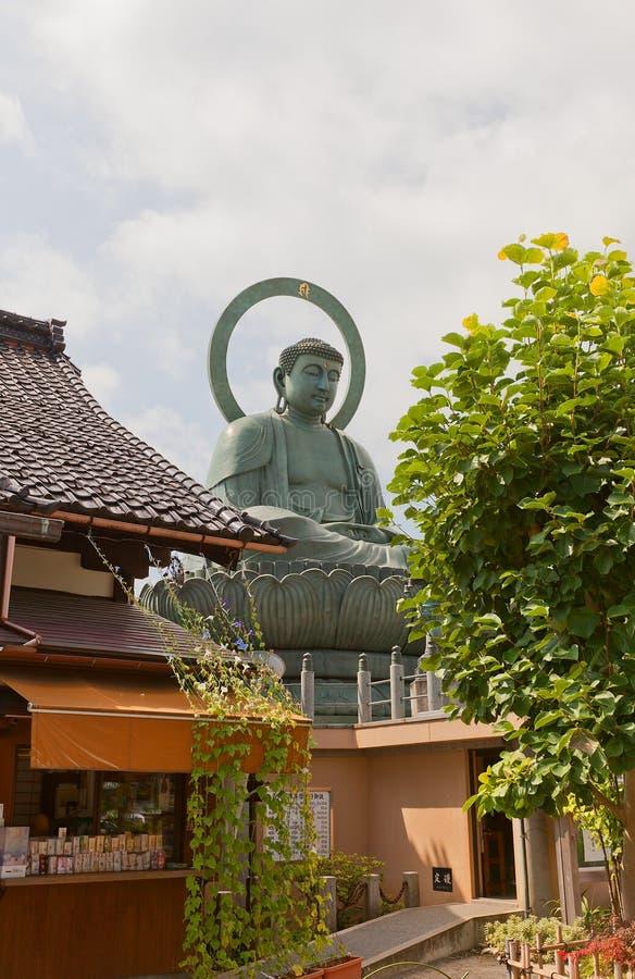 Het grote standbeeld van Boedha in Takaoka, Japan stock afbeeldingen