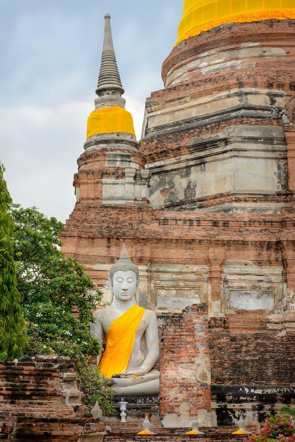Het grote Standbeeld van Boedha van Wat Yai Chai Mongkhol, Ayuddaya, Thailand royalty-vrije stock afbeeldingen