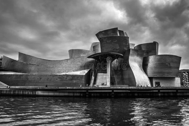 Het Guggenheim-Museum Bilbao stock foto's