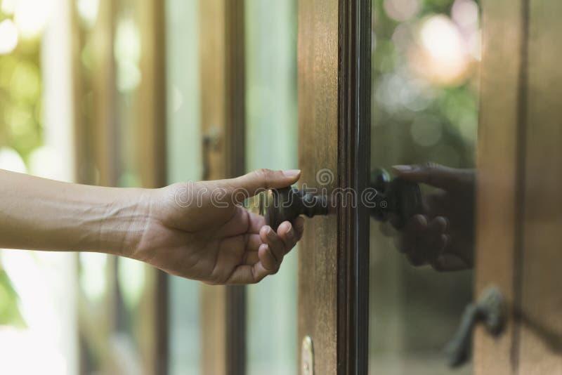 Het handvat van de handgreep van deur stock foto's