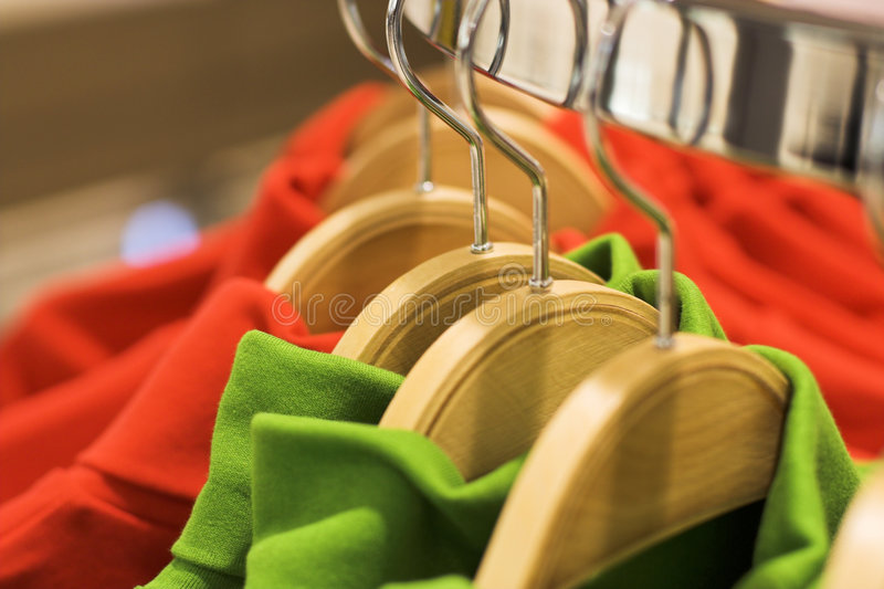 Het hangen van kleren stock foto