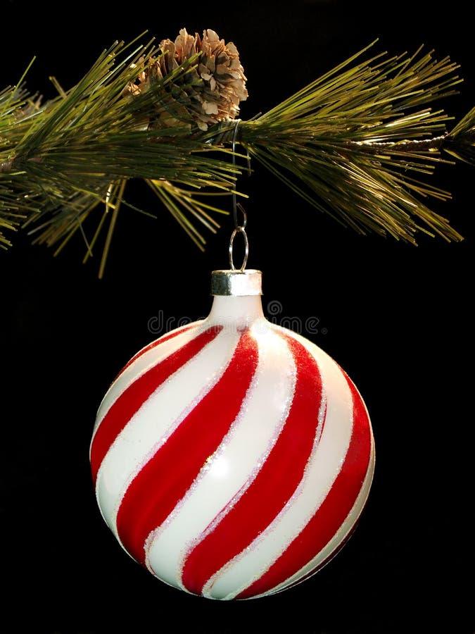 Het hangende ornament van Kerstmis stock afbeelding