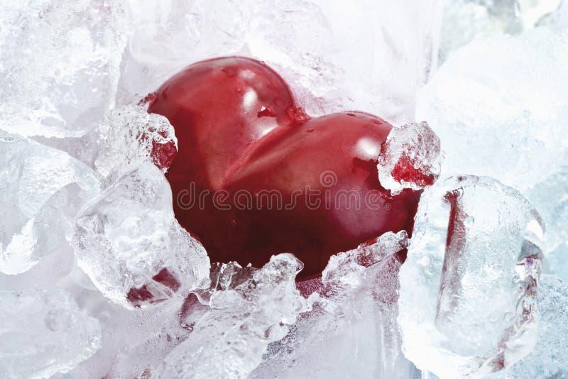 Het hart in ijs, sluit omhoog stock afbeelding