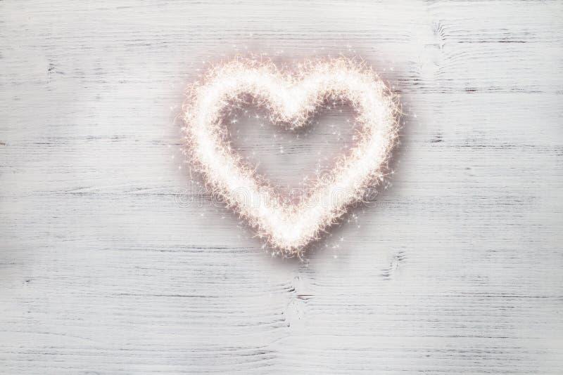 Het hart van de liefdefonkeling stock afbeeldingen