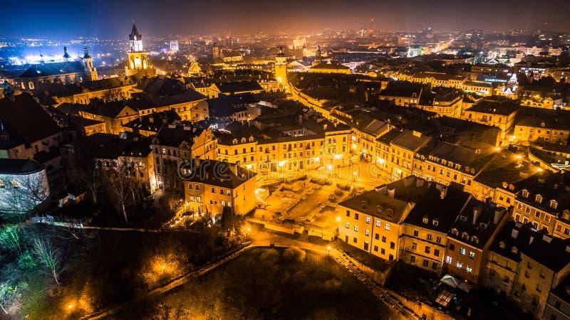 Het hart van de 's nachts stad stock fotografie