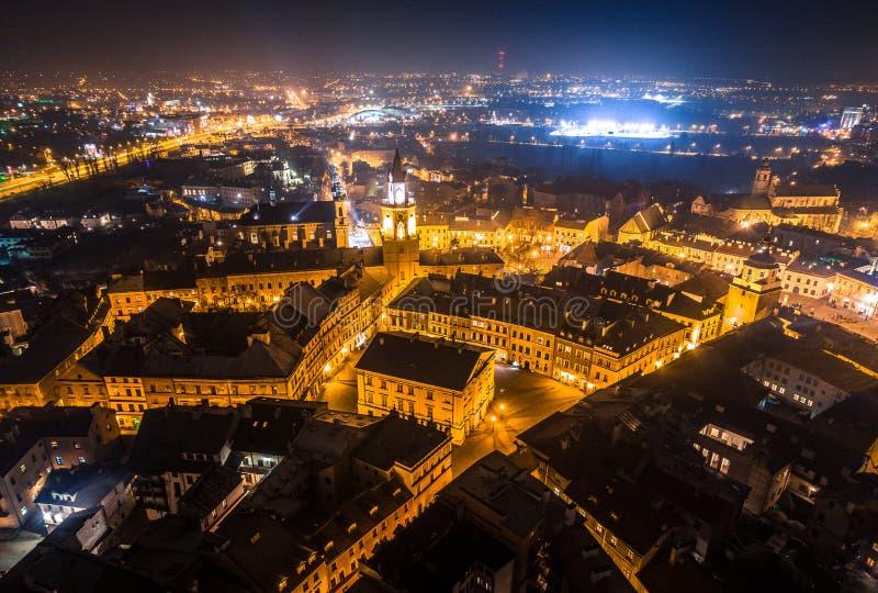 Het hart van de 's nachts stad stock afbeelding