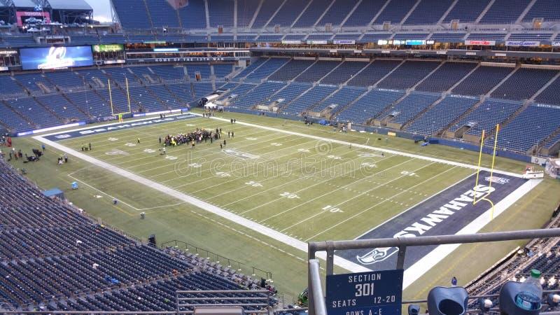 Het hebben van een conferentie vóór het voetbalspel in Seattle stock foto