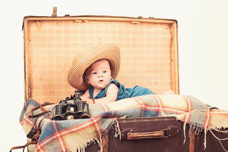 Het hebben van pret Kinderjarengeluk Fotojournalist Sweet weinig baby Het nieuwe leven en geboorte Familie Kinderverzorging Klein stock fotografie