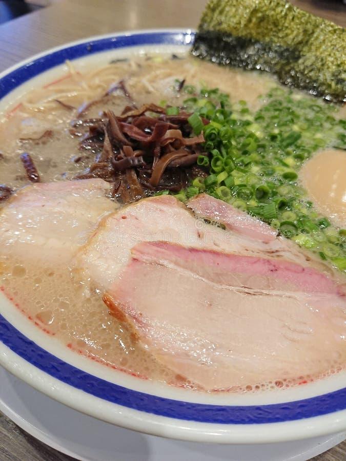 Het heerlijke Japanse varkensvlees ramen met ei royalty-vrije stock afbeelding