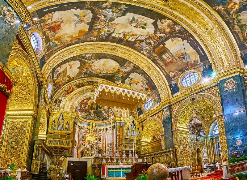 Het Heiligdom en het Hoge Altaar van St John Co-Kathedraal, Valletta, Malta royalty-vrije stock afbeeldingen
