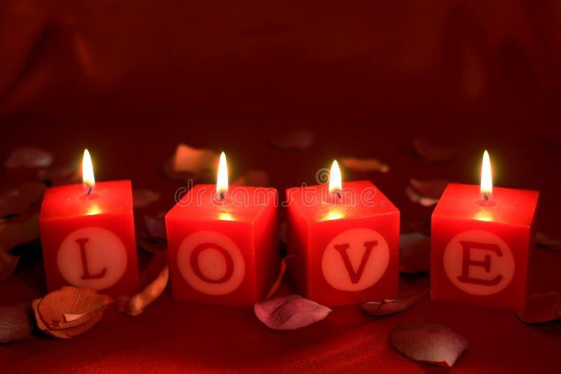 Het heiligdom van de liefde met vlammen stock foto's