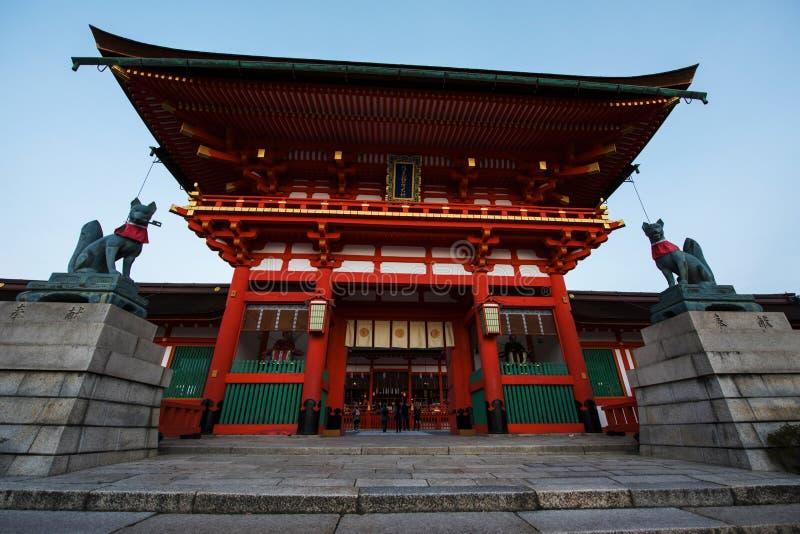 Het Heiligdom van Fushimiinari in Kyoto stock foto