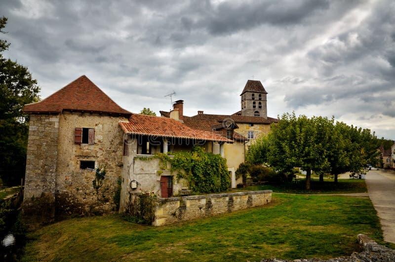 Het heilige-jean-de-Cole is een middeleeuws dorp in het noorden van Dordogne, Frankrijk stock fotografie