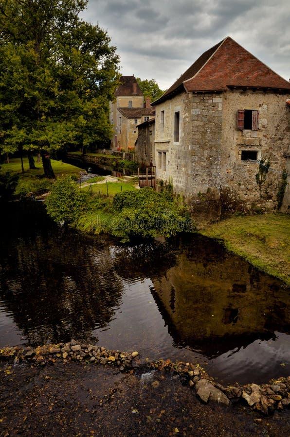 Het heilige-jean-de-Cole is een middeleeuws dorp in het noorden van Dordogne, Frankrijk stock foto's