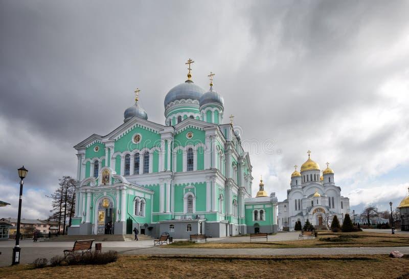 Het heilige klooster van Drievuldigheids serafijn-Diveevo, Diveevo, Rusland stock afbeelding