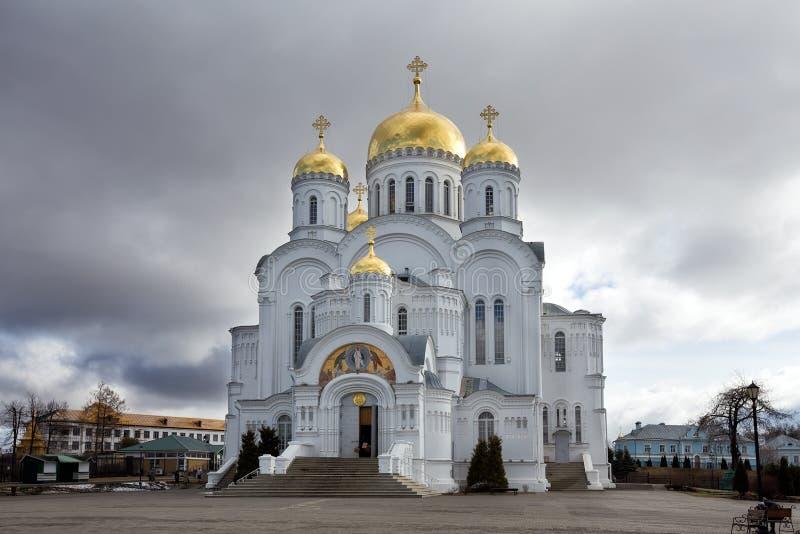 Het heilige klooster van Drievuldigheids serafijn-Diveevo, Diveevo, Rusland royalty-vrije stock afbeeldingen