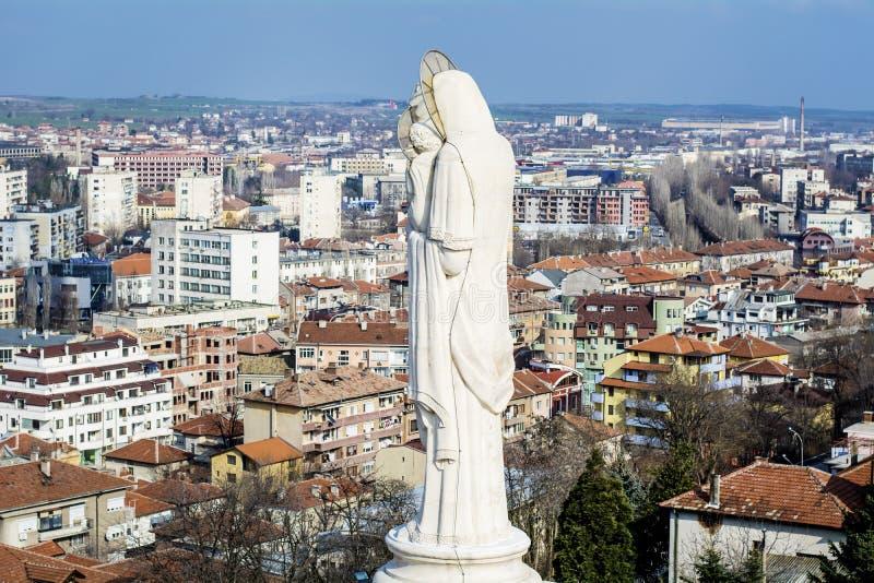 Het heilige Maagdelijke monument van Mary in Haskovo, Bulgarije stock afbeelding