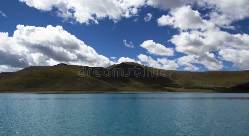 Het heilige meer stock afbeeldingen