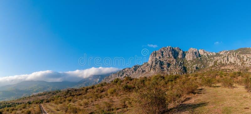 Het heldere schiereiland van Demerji de Krim van het de herfstpanorama stock foto's