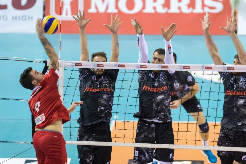 Het Helleense spel Paok van de Volleyballliga versus Olympiacos royalty-vrije stock foto