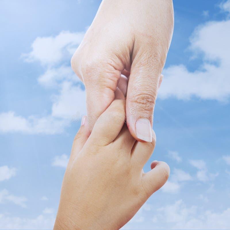 Download Het helpen van handen stock afbeelding. Afbeelding bestaande uit begeleiding - 39115959