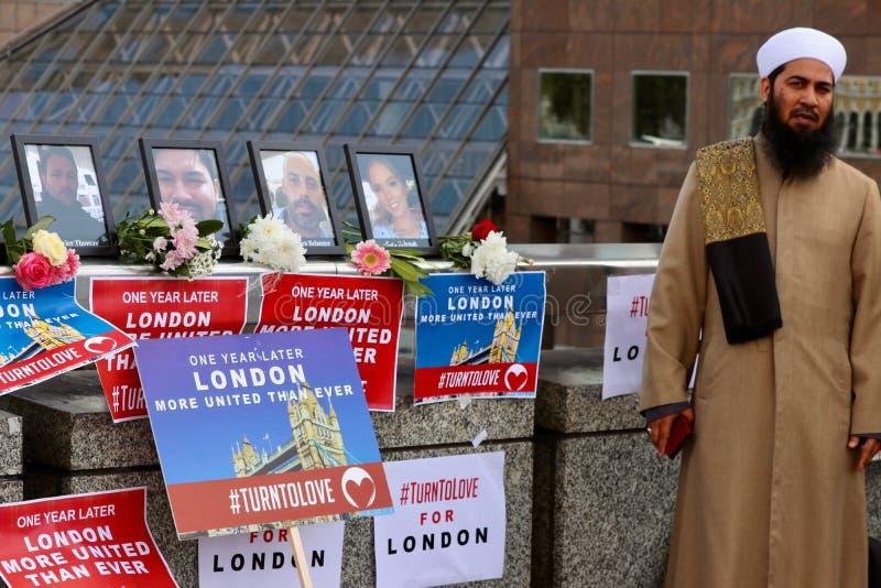 Het herinneren van de Brugterroristische aanslagen van Londen royalty-vrije stock afbeeldingen