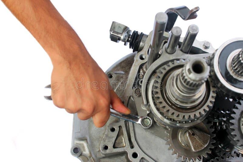 Het herstellen van de versnellingsbak stock afbeeldingen