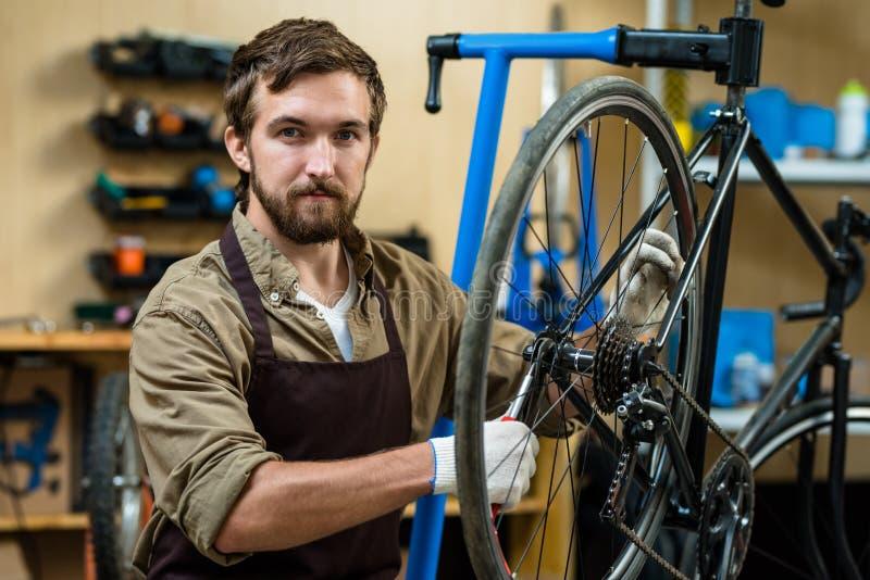 Het herstellen van fiets royalty-vrije stock foto's