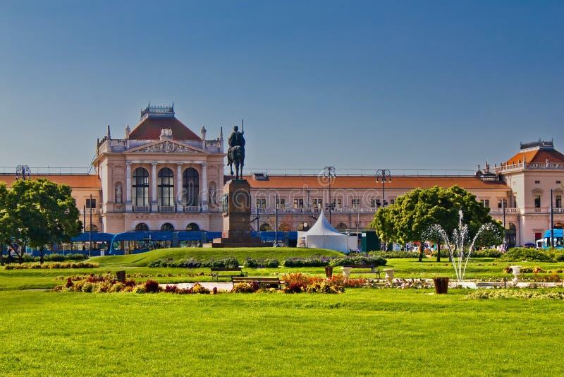 Het het centrale station en park van Zagreb royalty-vrije stock afbeeldingen