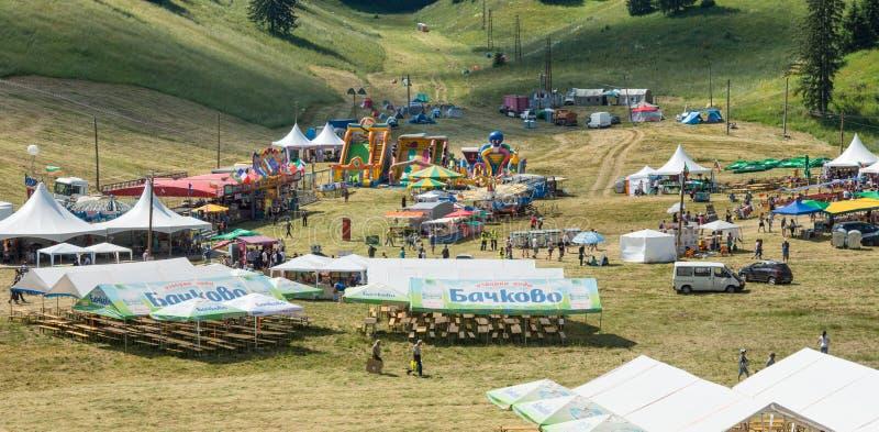 Het het dineren gebied bij het Folklorefestival in Bulgarije stock afbeeldingen