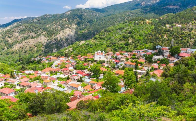 Het heuveldorp Pedoulas in de Marathassa-Bergen Cyprus van Valleitroodos stock afbeelding