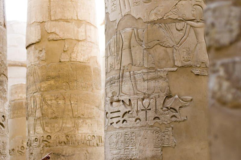 Het hiëroglyfische schrijven, Karnak, Egypte. royalty-vrije stock afbeeldingen