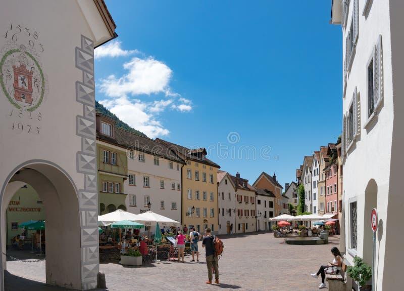 Het historische Arcas-vierkant in de oude stad van Chur in Zwitserland stock afbeelding