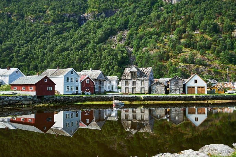 Het historische dorp van oeverlaerdal Noorwegen stock afbeeldingen