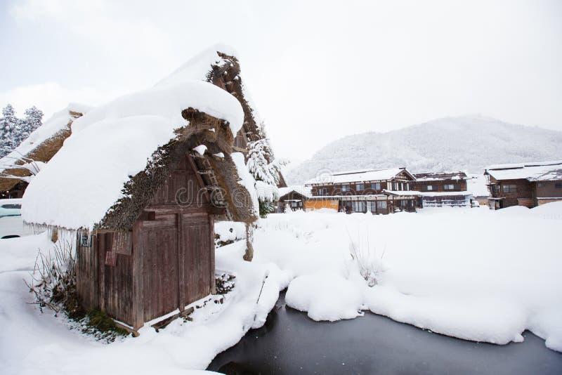 Het historische Dorp van shirakawa-gaat in de winter, Japan stock foto