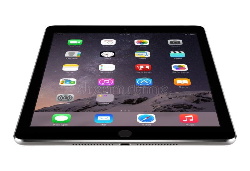 Het hoekige vooraanzicht van Ruimte Grijze iPadlucht 2 van Apple met iOS 8 ligt royalty-vrije stock fotografie