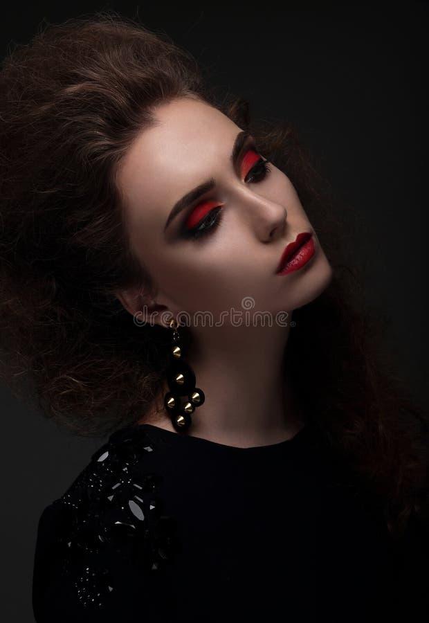 Het hoge portret van de manierlook Glamourportret stock afbeeldingen