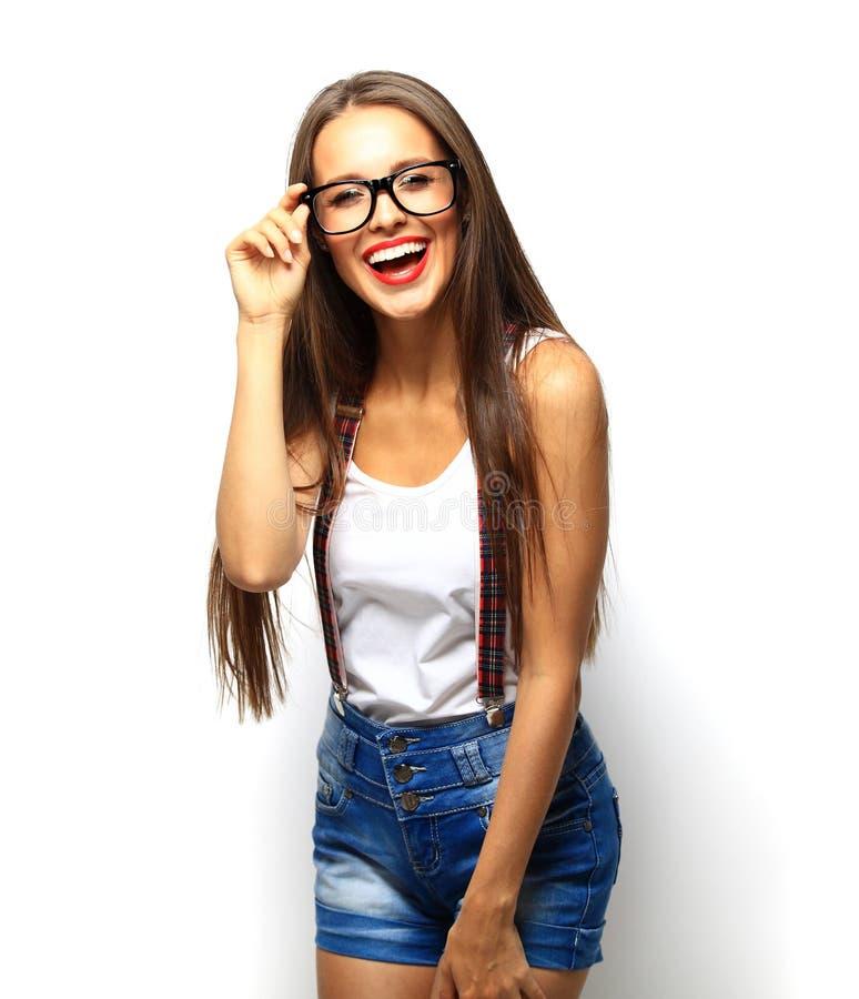 Het hoge portret van de manierlook model van de glamour het modieuze mooie jonge vrouw stock foto's